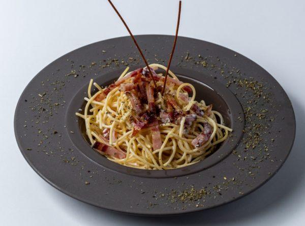 Pasta Carbonara sa slaninom i prelivom